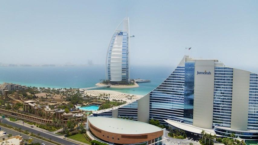 Jumeirah beach hotel jumeirah beach united arab emirates for Dubai beach hotels cheap