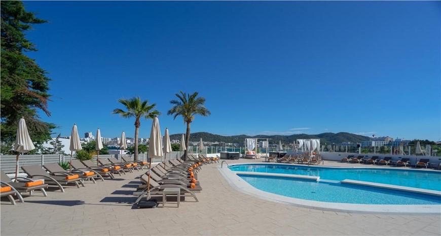 Thb Ocean Beach Hotel, San Antonio Bay, Ibiza, Spain