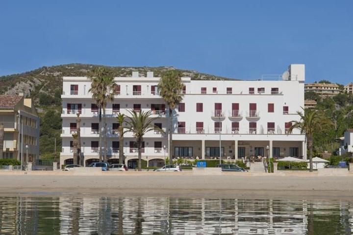 Pollentia Hotel, Puerto Pollensa, Majorca, Spain | Travel