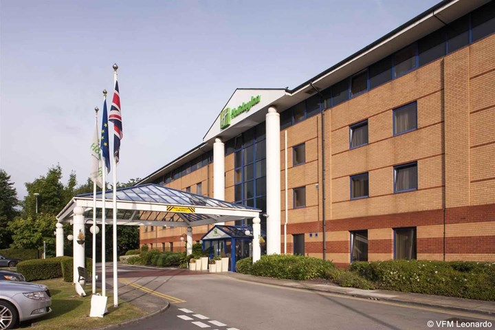 Cheap Hotels Warrington Town Centre