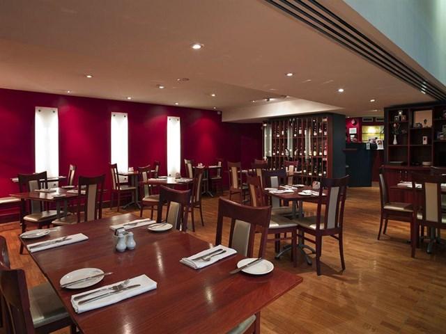 James cook grand chancellor hotel travel republic for 147 the terrace wellington