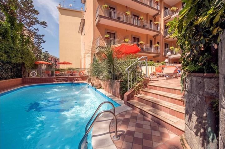 Hotel michelangelo sorrento sorrento coast italy - Hotel in sorrento italy with swimming pool ...