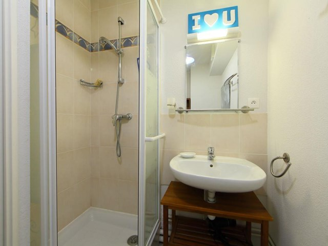Apartment quai sud ref 155 5 normandy france travel for Appart hotel sud est france