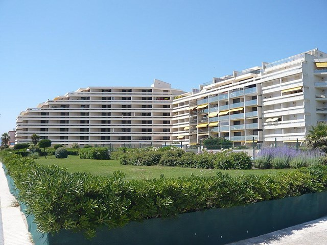 Apartment grand sud ref 180 9 travel republic for Appart hotel sud est france