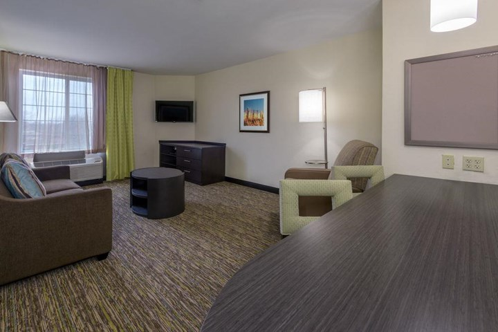 Candlewood Suites Oklahoma City Hotel - room photo 8866282