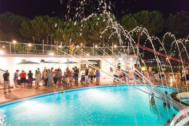 Hotel smeraldo dnata travel - Bagno florida cesenatico ...