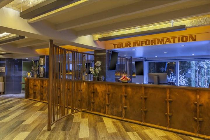 temple bar inn dublin city centre dublin ireland. Black Bedroom Furniture Sets. Home Design Ideas