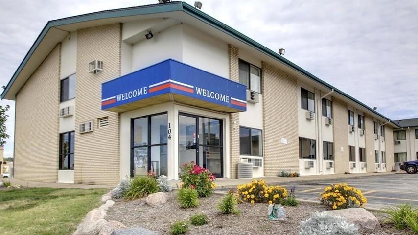 motel 6 peoria east east peoria illinois usa travel. Black Bedroom Furniture Sets. Home Design Ideas